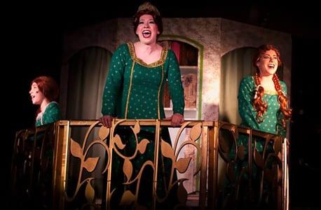 Fionas: (l-r) Samantha Yakaitis, Coby Kay Callahan and Amanda Kaplan (Photo: Kirstine Christiansen)