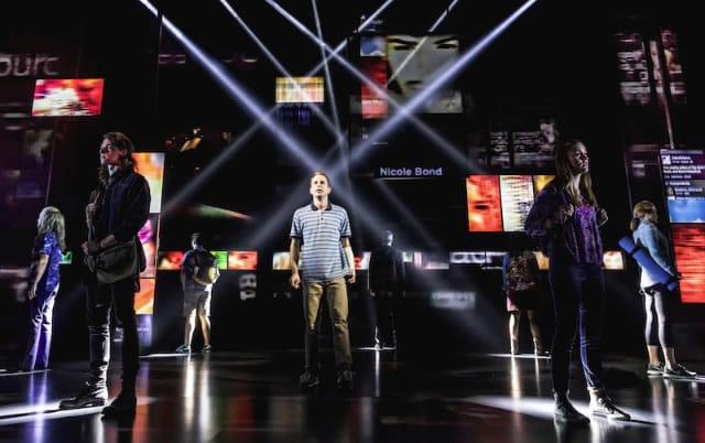 Ben Platt (center) in Dear Evan Hansen on Broadway (Photo: Matthew Murphy)