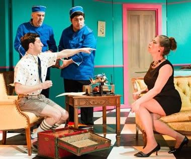 Tony Strowd as Jonathan, Manolo Santalla and Jorge A. Silva as bellboys and Robin Reck as Madam Rosepettle (Photo: Johannes Markus)